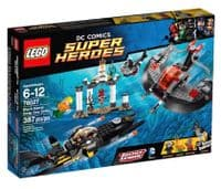 Lego 76027 - DC Superheroes: Black Manta Deep Sea Strike (Box has slight damage)