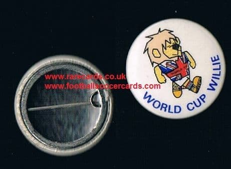 1965 World Cup Willie tin button badge WC66 pin intact