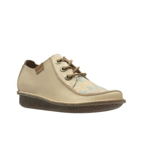 Clarks 'Funny Dream' Women's Casual Comfort Lace-up Shoe - Nude Interest D