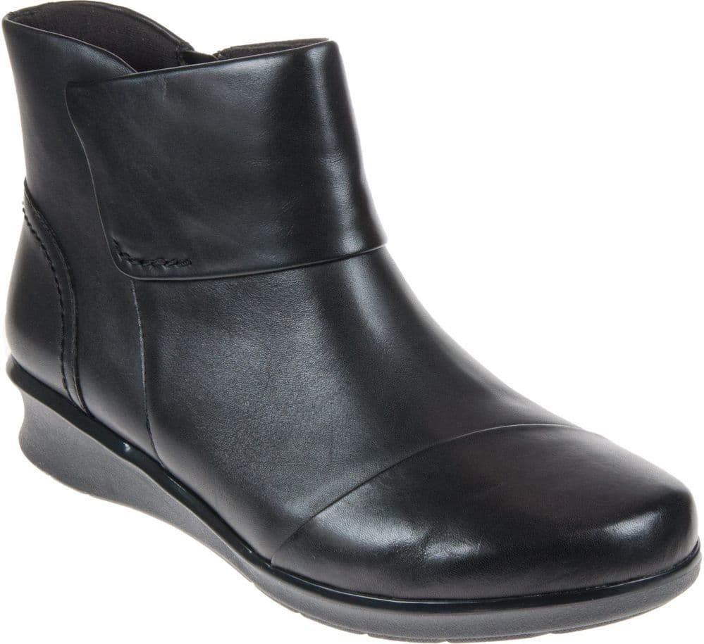 Clarks 'Hope Track' Women's Wide Fitting Ankle Boots - Black Leather E