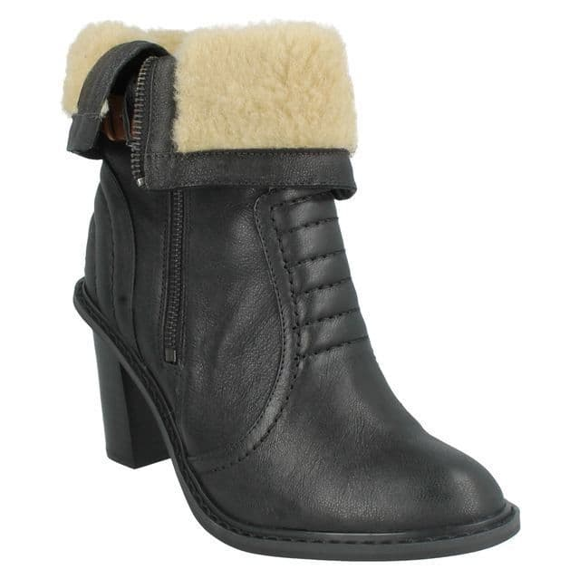 Clarks 'Lisette Blues' Women's Artisan Ankle Boots - Black Leather