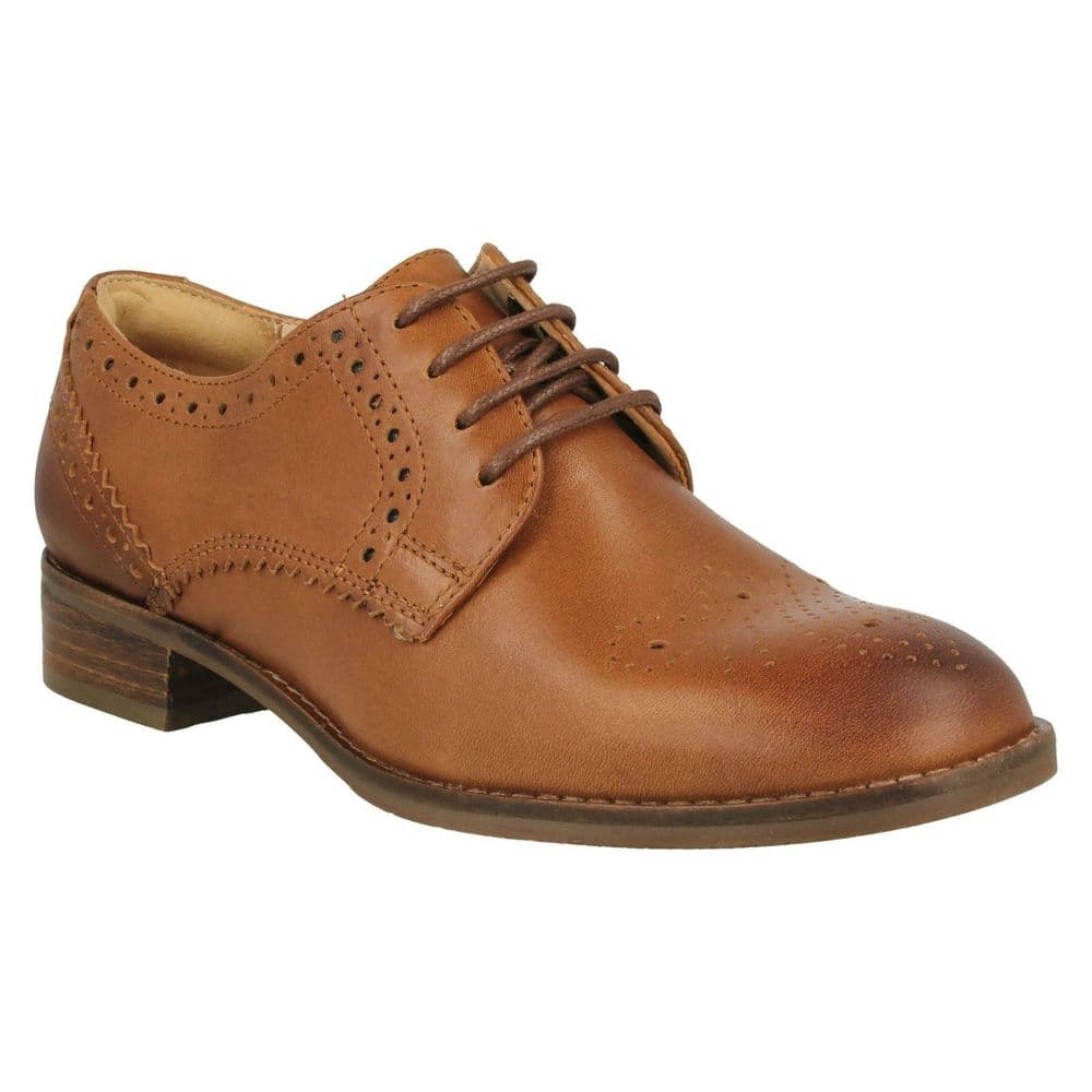 Clarks 'Netley Rose' Women's Brogue Shoe - Tan Leather D