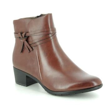 Heavenly Feet 'Annie' Women's Faux Leather Ankle Boots - Tan