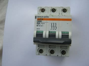 MERLIN GERIN C60H 20 AMP TYPE 2 25618 TRIPLE POLE MCB CIRCUIT BREAKER.
