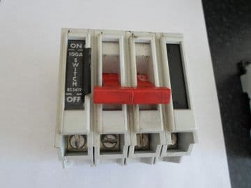 SQUARE D QO4100M 100 AMP 4 POLE BS 5419 MAIN SWITCH DISCONNECTOR.